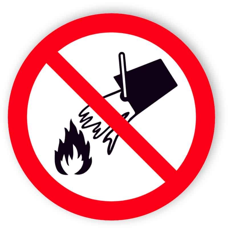 Mit Wasser löschen verboten