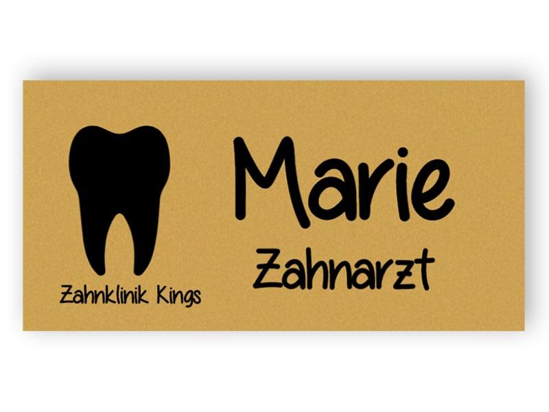 Namensschild für Zahnarzt