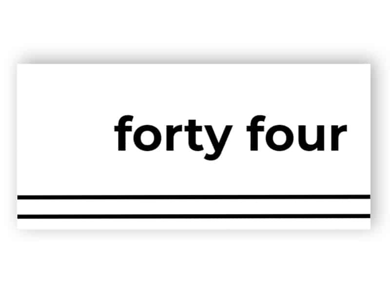 Buchstaben der Türnummer
