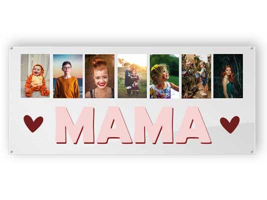 Mutter mit Bildern von Kindern